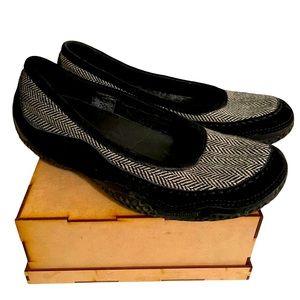 hP] PATAGONIA BLACK HERRINGBONE WOOL SLIP ON SHOES